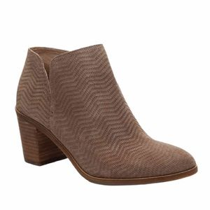 Lucky Brand Pickla Textured Bootie Size 9.5